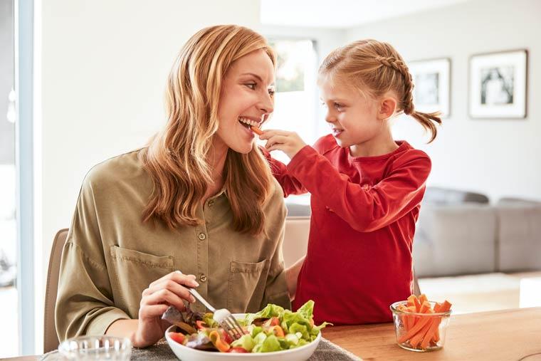 Vegetarierin mit Kind