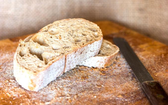 Obwohl es so lecker ist, kann Brot doch manche Menschen krank machen © narloch-liberra/ iStock/ Thinkstock