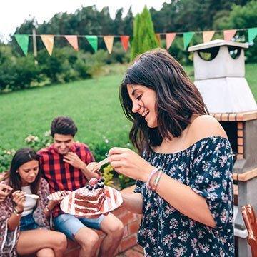 Gesund genießen mit Kokosblütenzucker, Dattelsüße und Ahornsirup