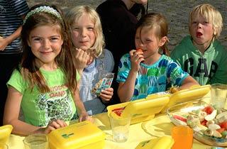 Hamburger Schüler frühstücken schlau
