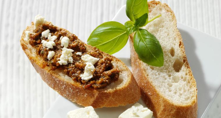 Diese mediterrane Köstlichkeit mit hochwertigem Pflanzenöl eignet sich hervorragend für warme Sommerabende