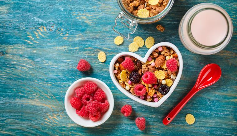 Ein vollwertiges Frühstück als Energielieferant für einen gesunden Start in den Tag ist Pflicht.