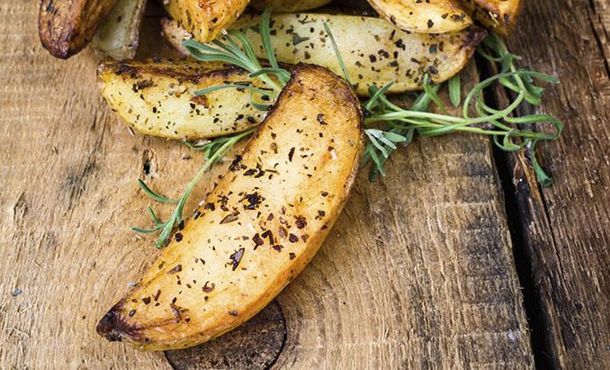 Die Kartoffel ist nicht nur in Deutschland beliebt. Wussten Sie, dass Sie auch zu Schönheit verhilft? © Zakharova_Natalia (istock /thinkstockphotos)