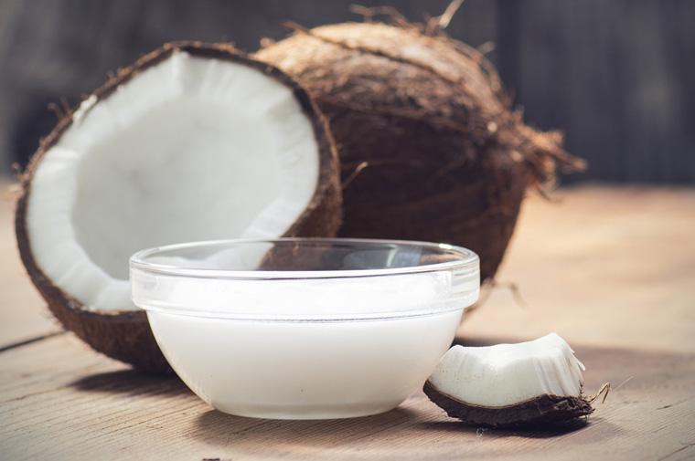 Kokosöl verliert auch bei starken Erhitzen nicht an Nährstoffen