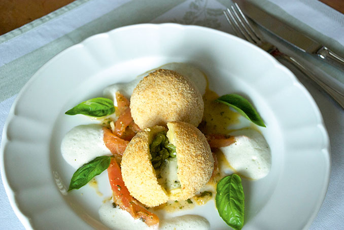 Mozzarella Kartoffelknödel nach dem Rezept von Ulrike Haunschmid aus ihrem Buch: Erdapfel - Das Universalgenie © Hoffmann