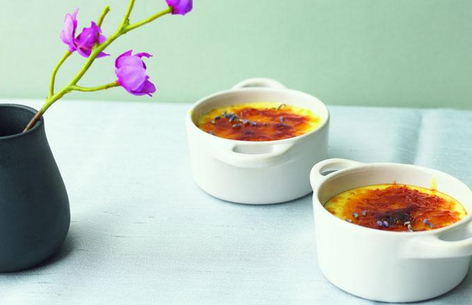Feine Crème brûlée aus regionalen Zutaten © Meike Bergmann, TRIAS Verlag
