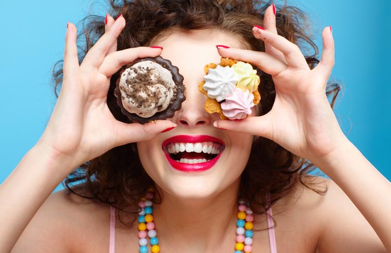 Kaufen Sie stark verarbeitete Produkte, die hauptsächlich Zucker und Fett enthalten, gar nicht erst ein.