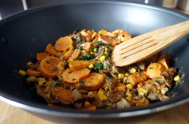 Leckere, vegane Currypfanne ohne viel Aufwand.