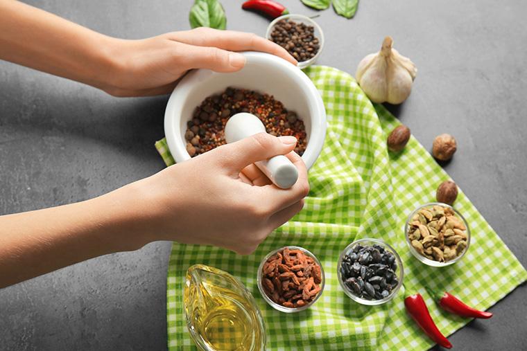 Gewürze aussuchen und richtig gut vermischen: Rezepte für Wild, Fisch, Fleisch und Salate
