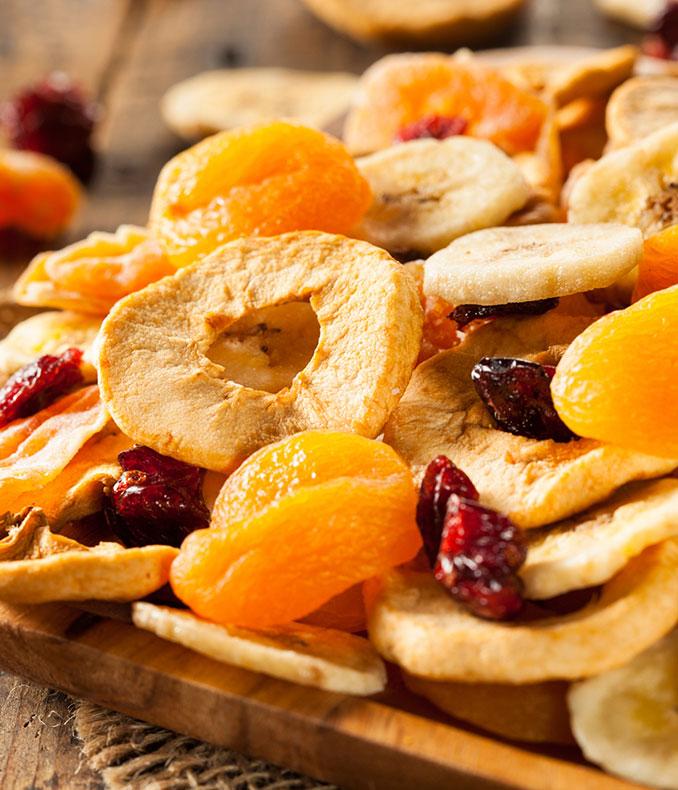 Trockenfrüchte sind der perfekte Snack für die Fahrt in Urlaub