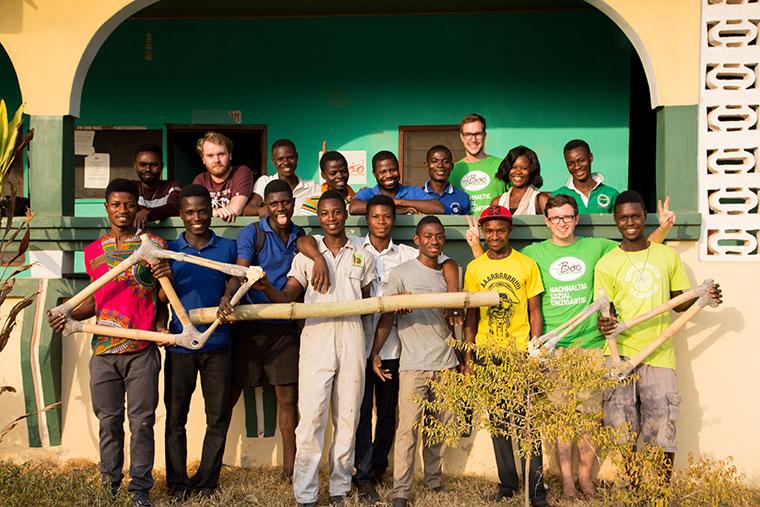 Belegschaft und Produzenten von my Boo in Ghana.