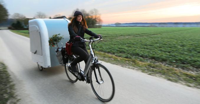 miniwohnwagen f rs fahrrad fahrradwohnwagen zum bike camping. Black Bedroom Furniture Sets. Home Design Ideas