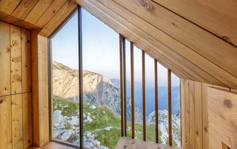 Die wunderschöne Natur und die unvergleichlich frische Luft  der Alpen genießen.