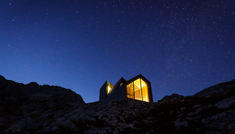 Bivouac pod Skuto in einer Sternklaren Nacht