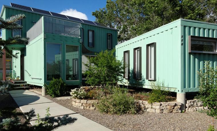 container haus als individuelle nachhaltige ferienwohnung f r den urlaub. Black Bedroom Furniture Sets. Home Design Ideas