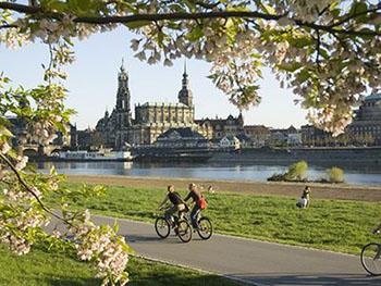 Die Elbe bereichert nicht nur Hamburg, sondern vor allem Sachsen. © Tourismus Marketing Gesellschaft Sachsen mbH