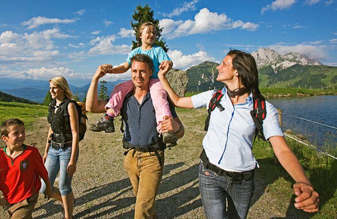Familie macht einen Ausflug