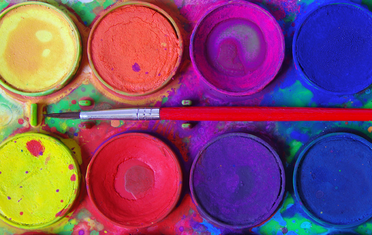 Alles, was Sie für diese Malfarben brauchen, haben Sie in Ihrem Küchenschrank.