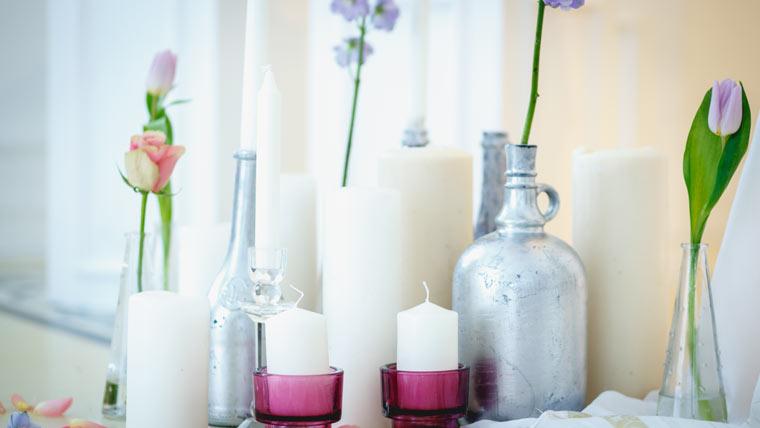 Flaschen färben und dekorieren