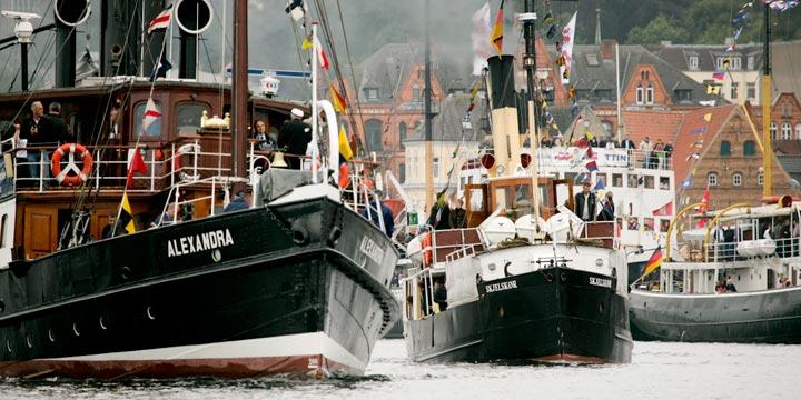Flensburgs DAMPF RUNDUM heizt jung und alt auch 2019 wieder ein
