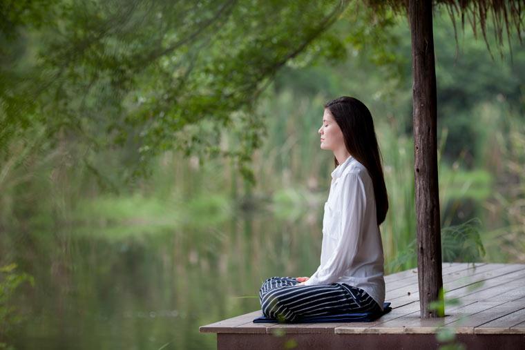 Chakra, Abheda Bodha Vakya, Vipassana Meditation: meditieren im Freien
