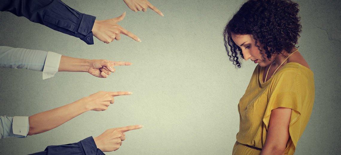 Klatsch und Tratsch – So schützen Sie sich vor der Gerüchteküche