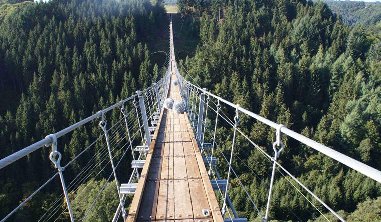 Die Geierlay in ihrer ganzen Pracht: Sie ist die längste Hängeseilbrücke Deutschlands