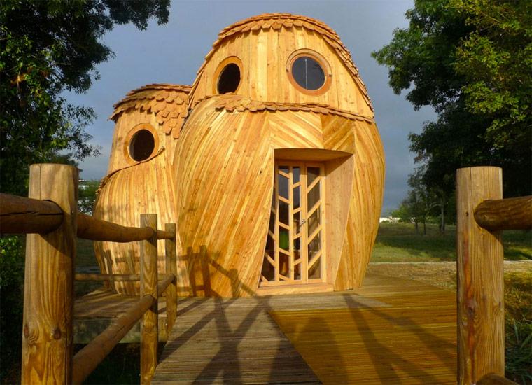 In diesen Holzeulen können Sie gratis übernachten