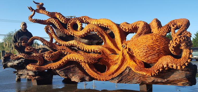 Jeffrey Michael Samudosky mit seinem Riesen Octopus