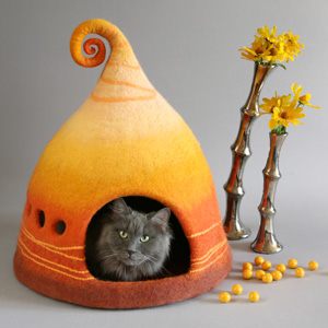 Katzenhaus aus Filz