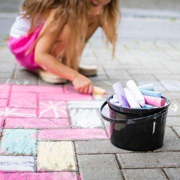 Selbstgemachte Straßenmalkreide ganz ohne Gift