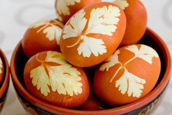 Ostereier natürlich färben mit Gewürzen, Kräutern und Gemüse