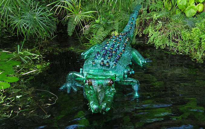 Pet Flaschen Basteln Recycel Pet Flaschen Werden Upcycling Kunst