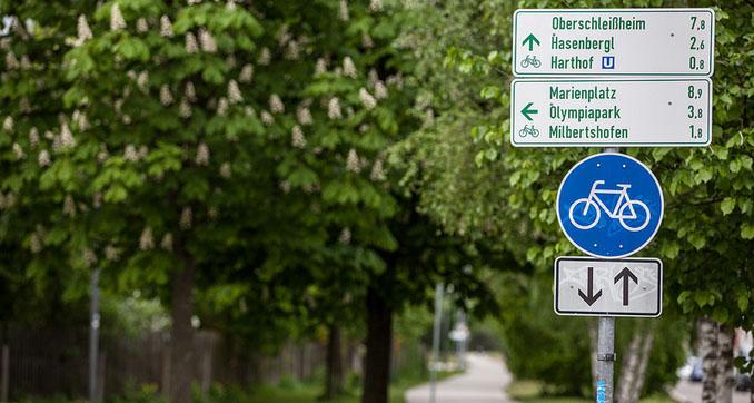 Die Radltouren führen durch ganz München, um die Stadt besser kennenzulernen. Bei der ersten Tour gehts auch in den Englischen Garten © Radlhauptstadt München