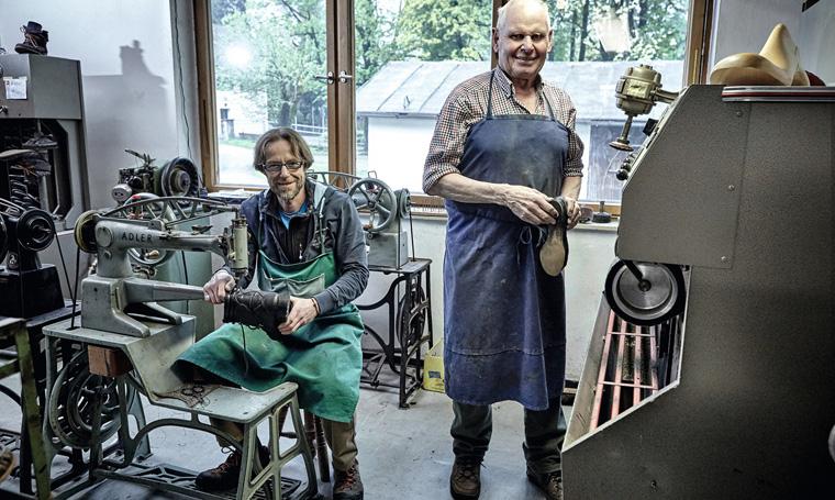 Kunsthandwerk selbst erleben in der Lebendigen Werkstatt