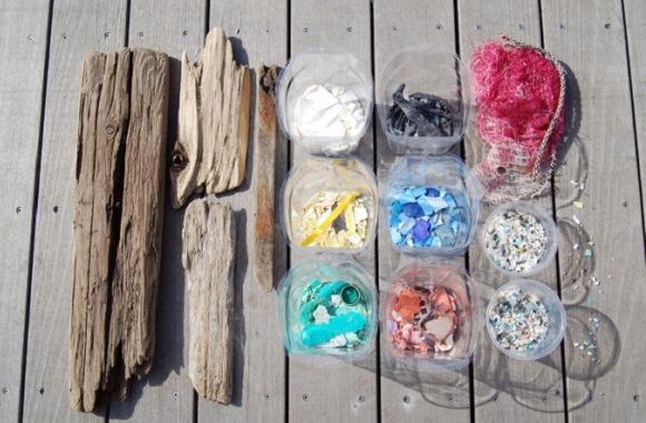 Surfboards aus altem Plastikmüll und Treibholz