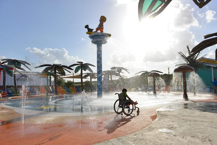 Wasserpark für Kinder mit Behinderungen