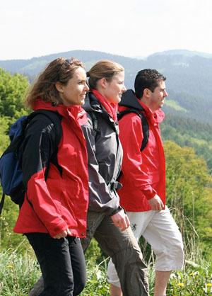 Ob mit Freunden oder dem Partner, Wandertouren sind spaßig und kommunikativ © Wikinger Reisen