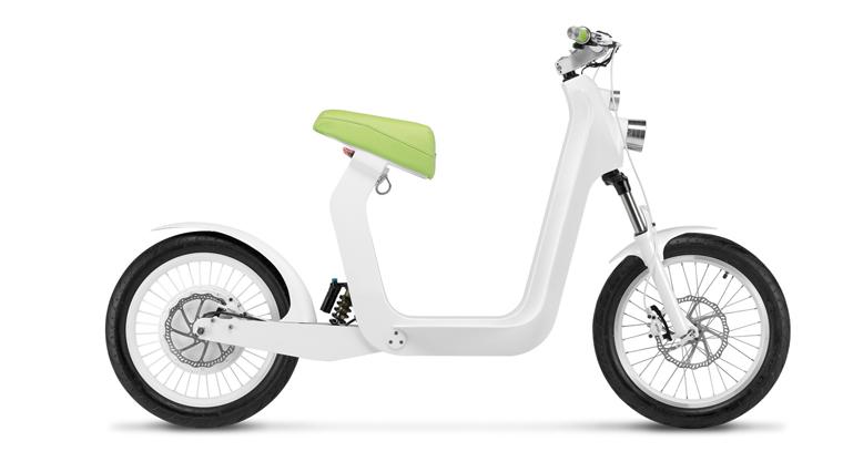 Er erinnert an ein Fahrrad, hat aber keine Pedalen; er sieht aus wie ein Roller, fährt aber leise und emissionslos.