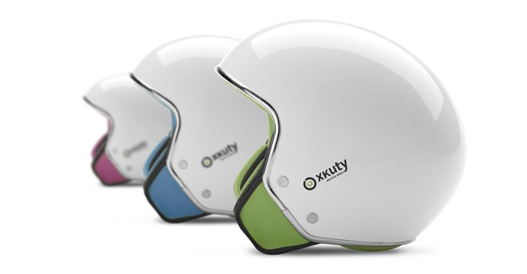 Für noch mehr Fahrspaß sorgt der passende Helm mit Bluetooth-Kopfhörern.