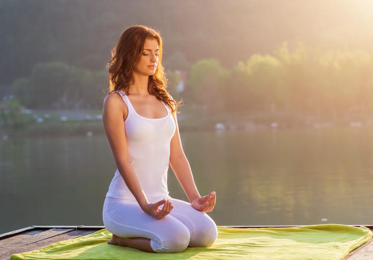 Zur inneren Mitte mit den richtigen Yoga-Accessoires