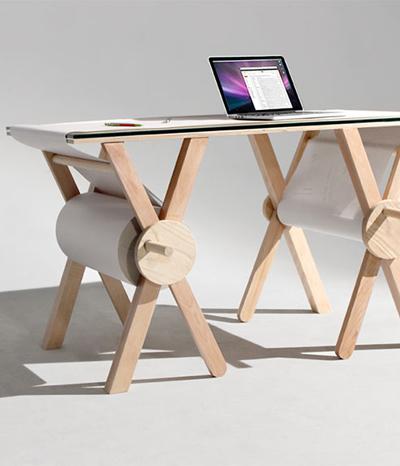 Der Memory Desk hat 1000 Meter Notizpapier