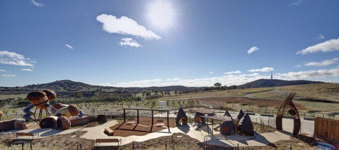 Das Arboretum in Canberra bietet viel Platz zum Spielen und Spaß haben für noch mehr Kinder ©Gemma Fennell and Brett Boardman
