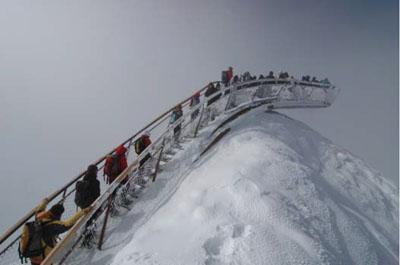Top of Tyrol - Die Aussichtsplattform bei Schnee ©LAAC Architekten