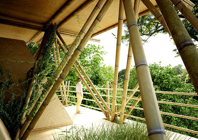 Ein Balkon zum Verlieben. Alles aus Bambus, flexibel, leicht und stabil © Penda