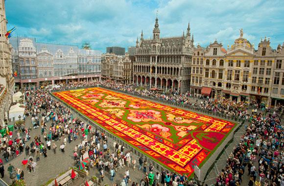 Brüssel: Blumenteppich aus Begonien