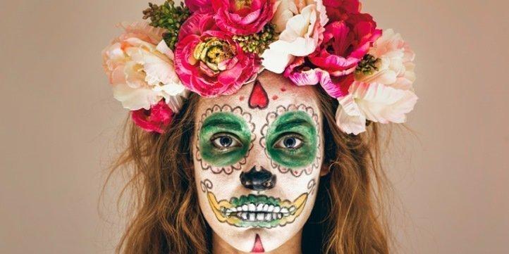 DIY: Halloweenschminke und Kunstblut selber machen