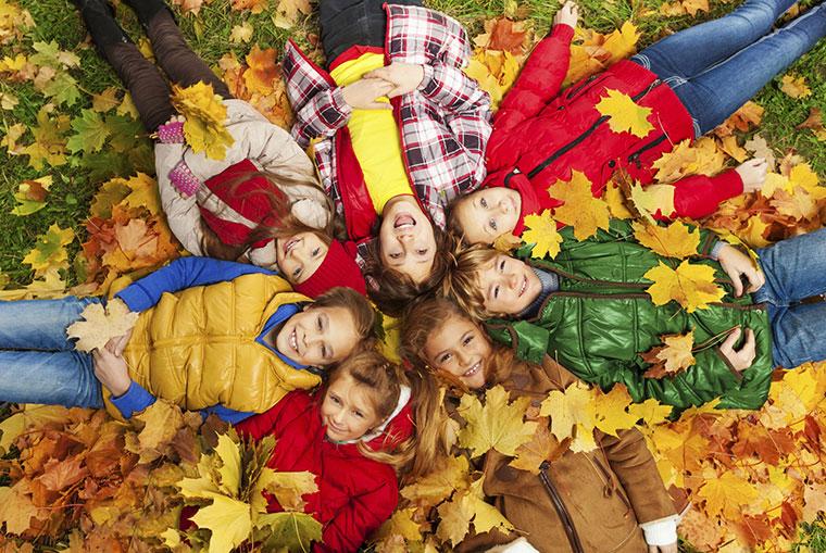 Ausflug mit kindern picknick ideen waldtiere wanderwege for Herbst im kindergarten