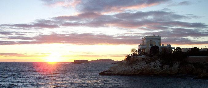 Ein Panorama, wie es nur selten auf der Welt vorkommt. Hier: Vor den Toren Marseilles © PACA