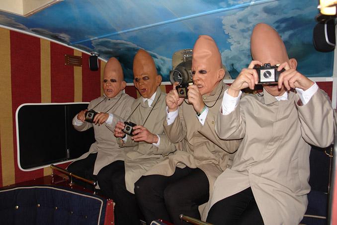 Filmerfahrene Gäste in netten Conehead-Kostümen © The Sol Cinema